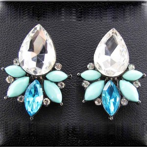 Women's fashion earrings New arrival brand sweet metal with gems stud crystal earring for women girls E379 381 382 397(China)