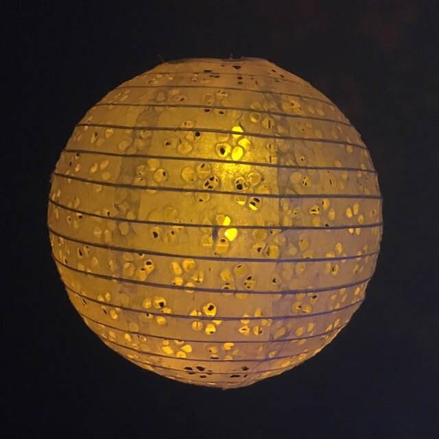 12 Pcs Lot 8 20 Cm Blanc Papier Creux Lanternes Chinois Boule Ronde Papier Lanterne Lampe Pour Festival Mariage Fête Décoration