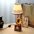 Mesa De Madeira Candeeiro de Mesa de Sala de crianças Retro Fonógrafo Levou E14 lâmpada 110 V-220 V Led Botão Interruptor Lâmpada de Mesa Criança Secretária Levou lâmpada