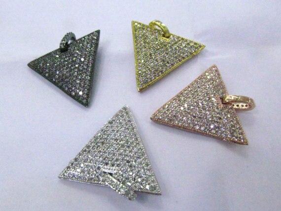 6 pièces 30mm Micro Pave 24 K or rhodié Triangle pendentif chien étiquette avec Bail, Micro Pave diamant CZ cubique zircone résultats