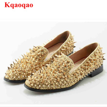 Slip On Men Shoes Stylish Low Top Shoe Gold Rivets Embellish Casual Men Flats Luxury Brand Star Runway Shoes Hot Brand Loafers