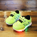Sapatas dos miúdos do bebê meninos sapatos meninas sapatos de bebê tênis brilhantes com luz 2017 primavera verão sapatos de desporto sola macia 0-2 anos velho