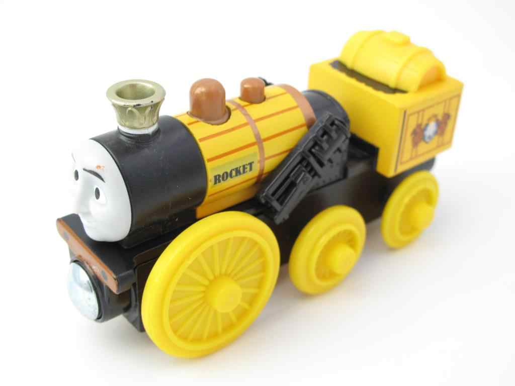 Wooden Train T110W ROCKET Magnetic Truck Car Locomotive Engine Railway Toys for Children