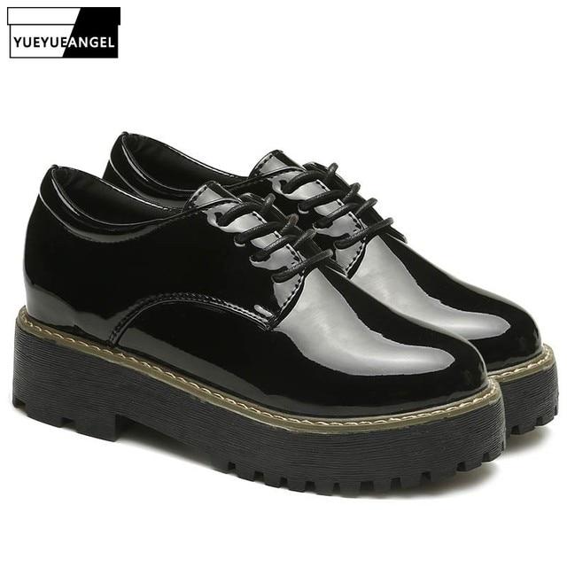 Модные женские туфли на шнуровке с круглым носком в британском стиле; женские блестящие туфли на платформе из лакированной кожи в стиле панк в английском стиле; обувь на шнуровке
