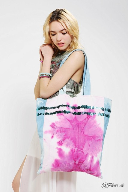 Uo urban outfitters tie-dyeing powder print canvas bag tote bag shoulder bag