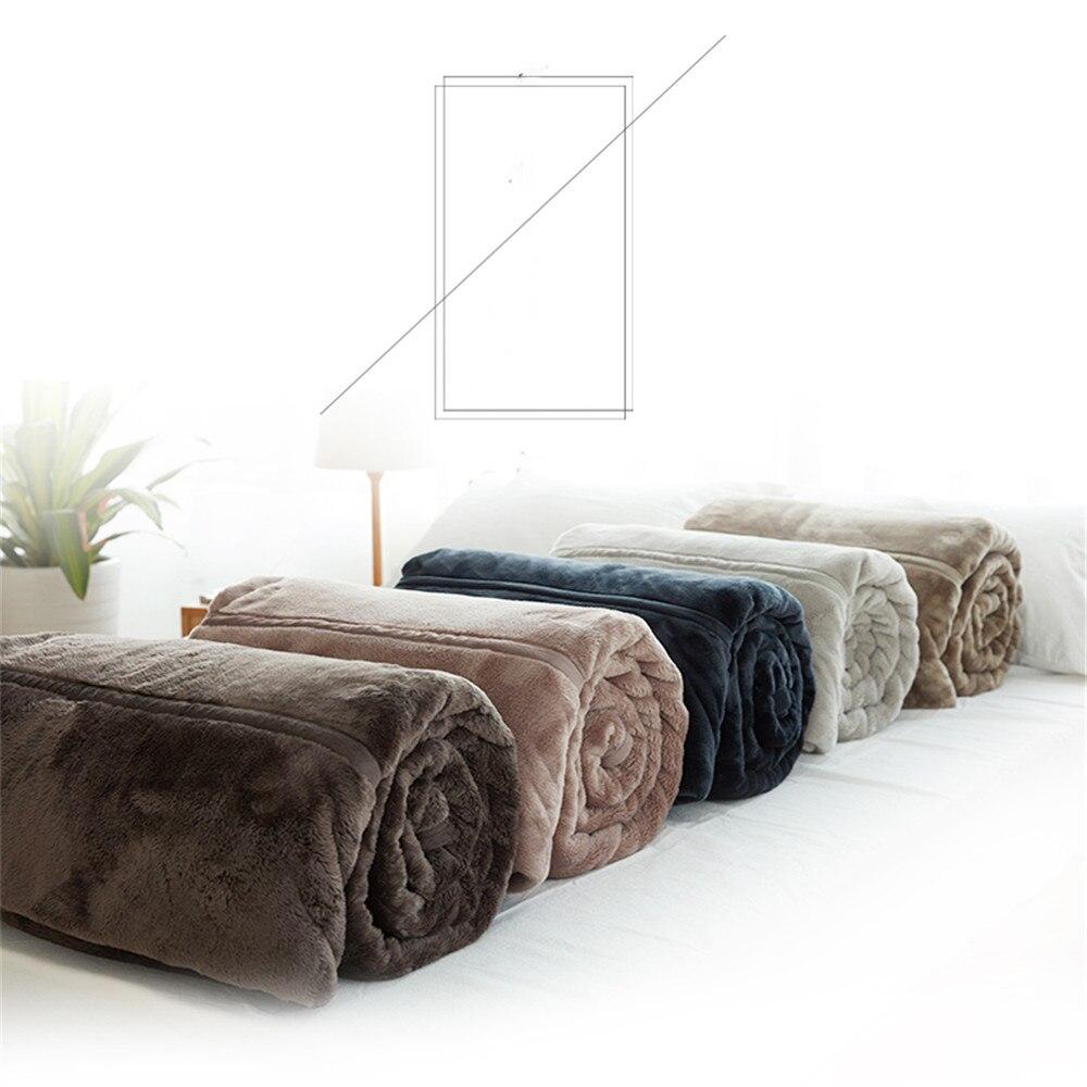 cbbc4dc9d7 PanlongHome Modern Simple Flannel Thick Warm Blanket Quilt Sheet Coral Fleece  Blanket Nap Cover Blanket