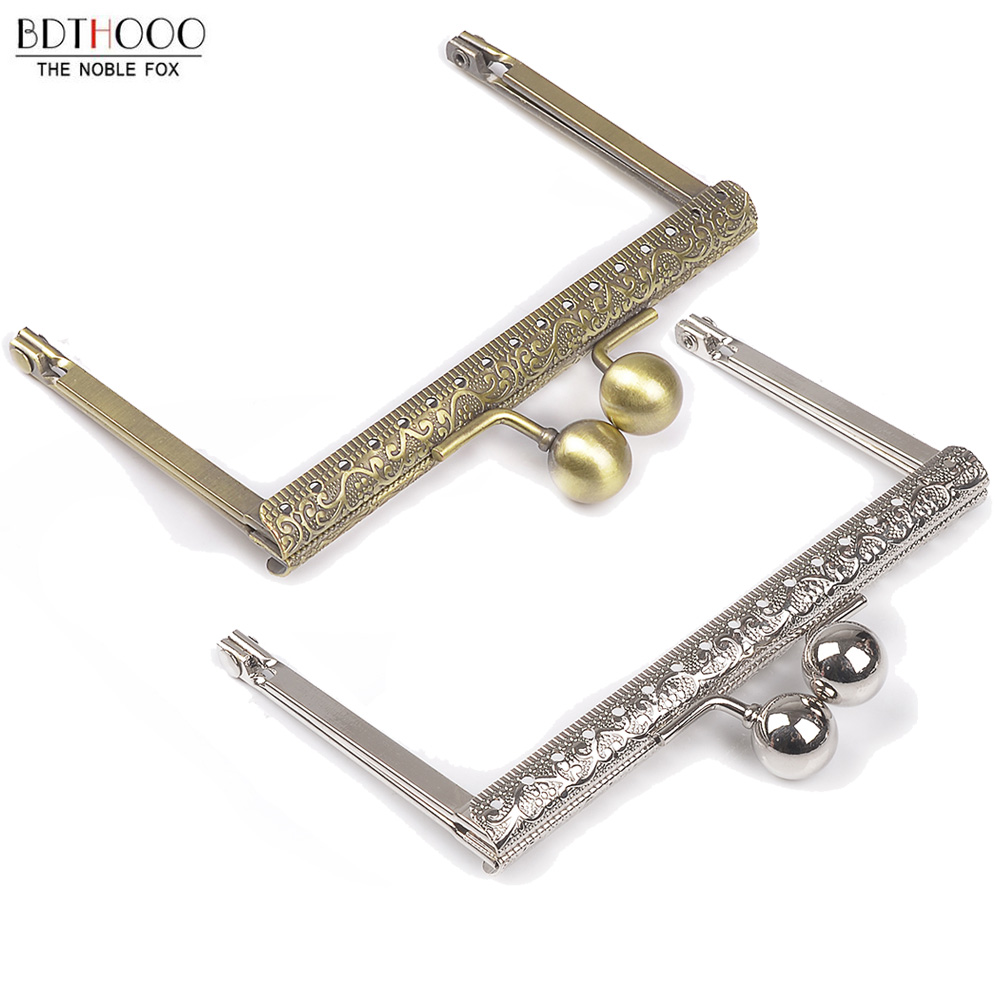 10pcs Lot 10.5cm Metal Purse Frame Handle For Clutch Bag Handbag Accessories Making Kiss Clasp Lock Antique Bronze Bags Hardware