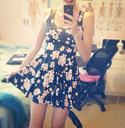 HTB1HUdUKXXXXXXWXXXXq6xXFXXXT - SexeMara 2018 Hot Sale Pink Plum Print Beautiful Skater Dress Vestidos Vintage Style Pleated Mini Dress Women's Party Dress