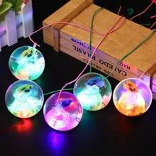 كرة كذاب مطاطية وامضة 5.5 سنتيمتر كرة مضيئة كرة مقاومة للإجهاد LED كرة ضد الإجهاد لعب ممتعة للأطفال