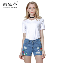 Lotus Fairy embroidery hole Ripped jeans for girls Shorts with a low waist Women's denim shorts Ripped jeans Summer 2017 fashion
