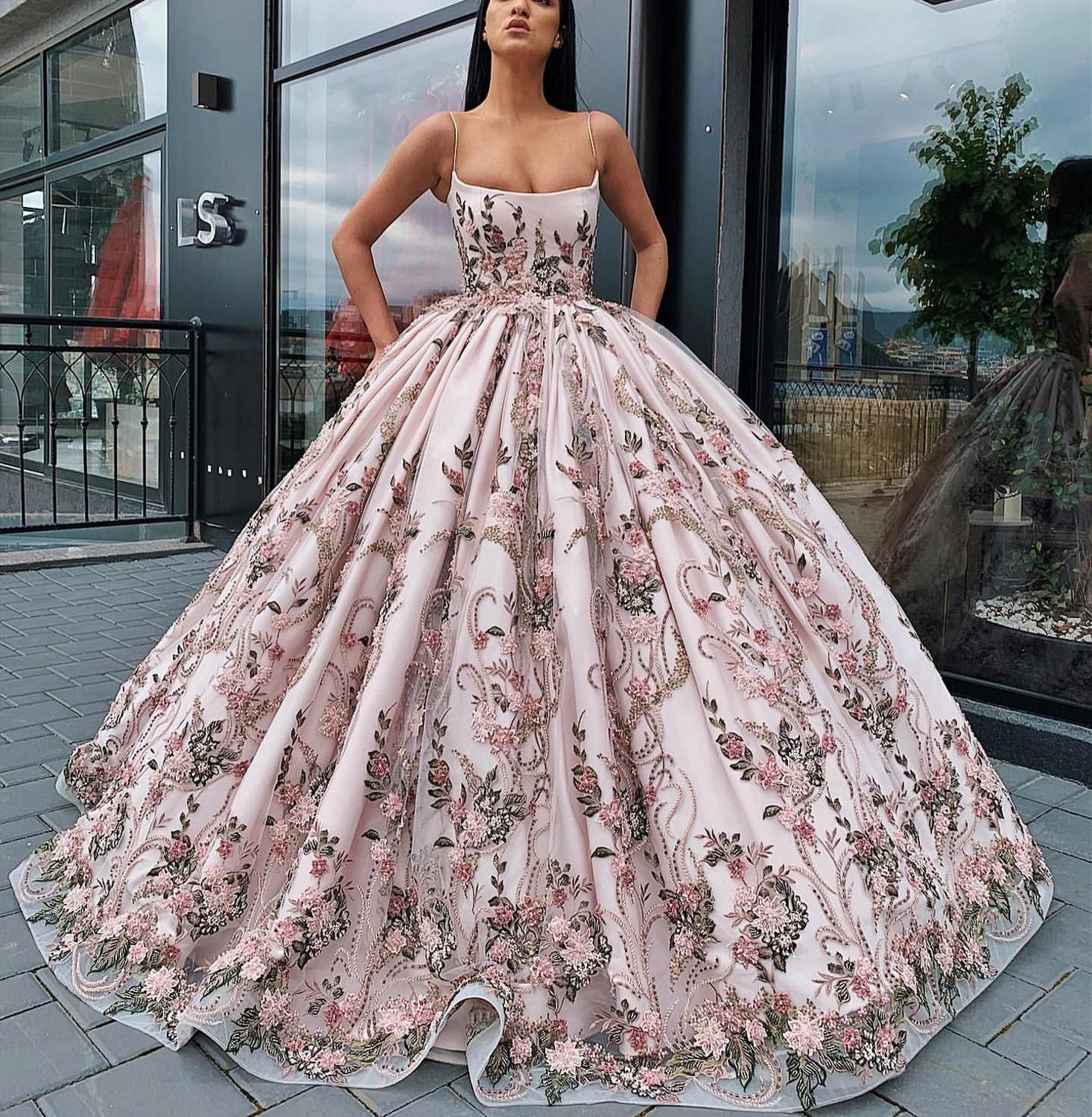 Long Prom Dress 2019 Gorgeous Spaghetti Straps Oman Handmade Lace Flowers Saudi Arabia Ball Gown Formal Evening Gowns in Prom Dresses from Weddings Events