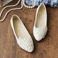 2017 planos del talón wedding los zapatos planos para las mujeres zapatos de novia de encaje blanco perla de la flor de las mujeres dulce del cordón de zapato de la boda