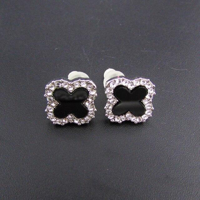 Black Clover Earring Brincos Four Leaf Elegant Stud Two Colors