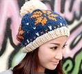 Сладкий симпатичные осень зима теплая вязаная шапка женщин 100% ручной крючком шапочку колпачок