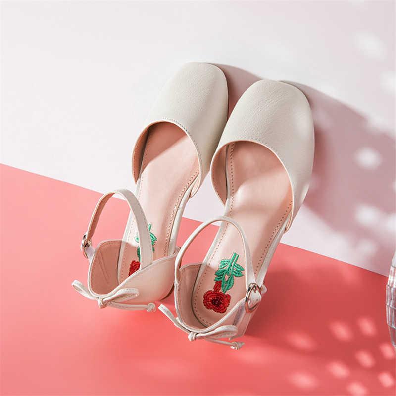 Kids Girls Shallow Flats Shoes Sweet Princess Embroider Wedding Dress Shoes  Fashion Girls Non Slip Loafers b0d037974c05