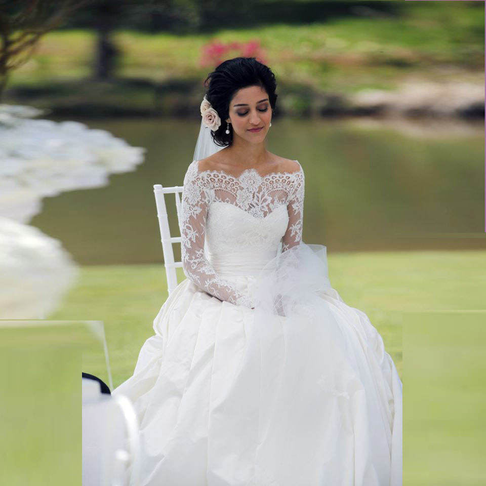 Country Style Boat Neck Wedding Dress With Delicate Lace