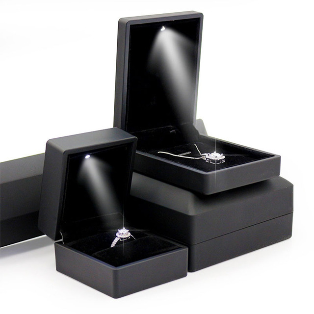 LED Lighted PU Leather Diamond Jewelry Ring Box Gift Propose