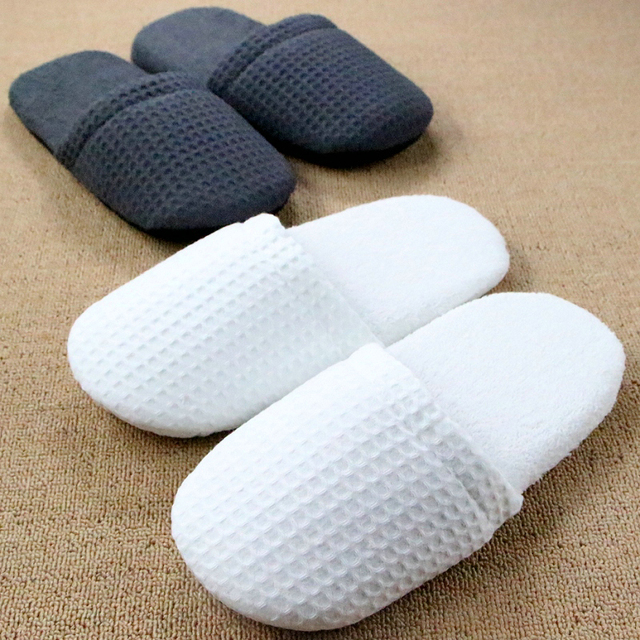 8ee32a16d3d Chinelos Homem Pantufa Hotel Bedroom Winter Women Indoor Slippers For Men  Travel Floor Plush Lattice Home Shoe Pantoufle Femme