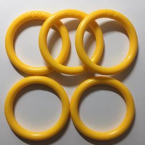 50PCS YELLOW COLOR Loop Rings O Links Rattle Developmental Parts Toys