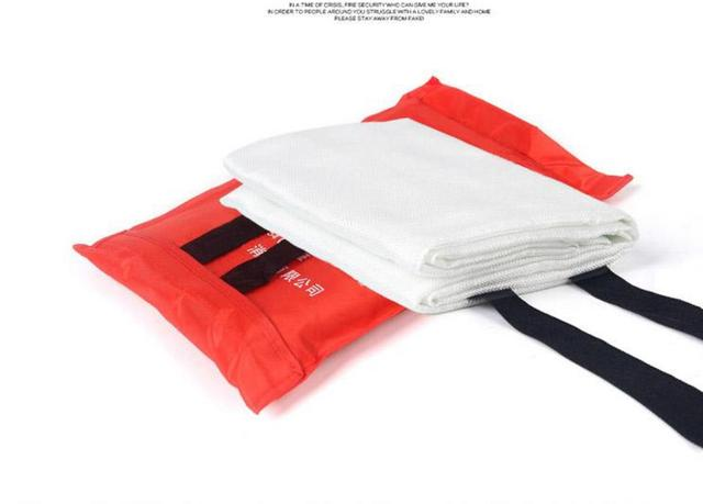 2m*2m Common household and factory fire equipment fire blanket, help themselves escape blanket ,fireproof material.