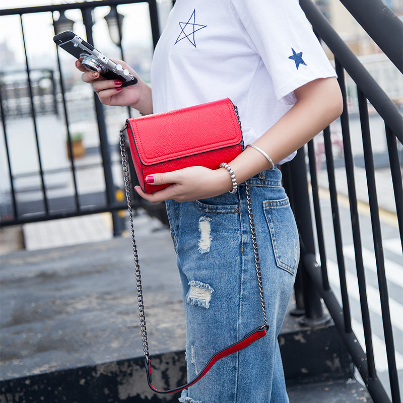 Korea Style Fashion Woman Genuine Leather Shoulder Bag Brief Chain Cover Magnetic Buckle Small Flap Cow Leather Messenger Bags twenty four genuine leather female shoulder bags fashion style chain bags with rivets for young girl small lovely handy flap bag