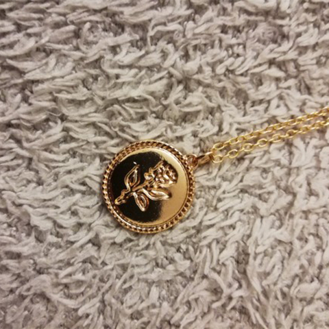 IPARAM Gold Alloy Round Pendant Necklace for Women Simple Female Long Chain Coin Necklace Rose Flower Collier 2019 Wholesale Islamabad