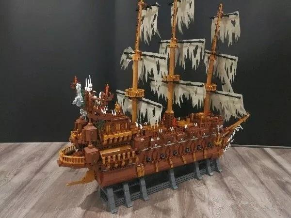 New Lepins MOC Movies Series The Flying The Netherlands Set Building Blocks Bricks Educational Figure DIY Model Toys