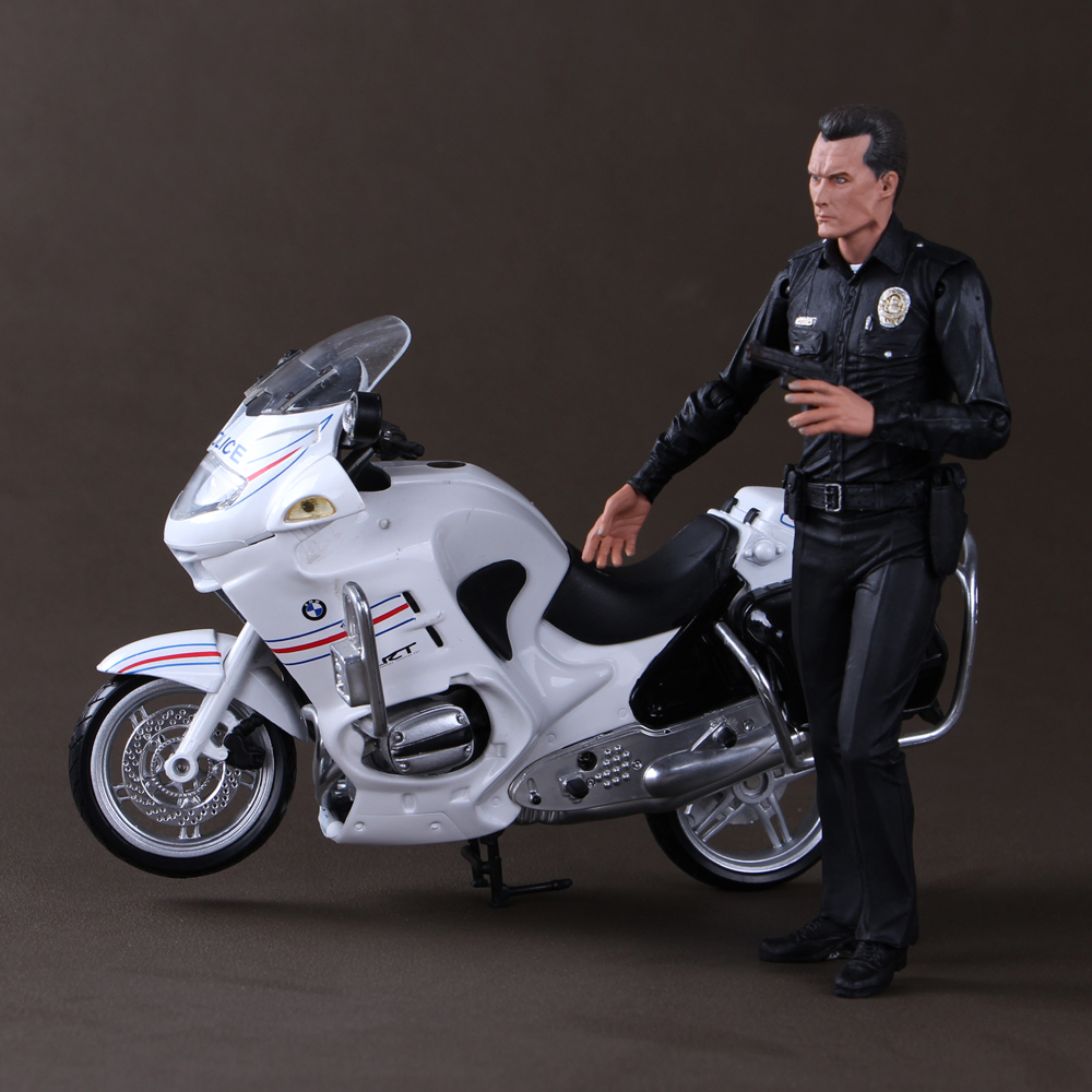 Free Shipping NECA The Terminator Action Figure T1000 GALLERIA MALL Cyberdyne Showdown PVC Figure Toy 7