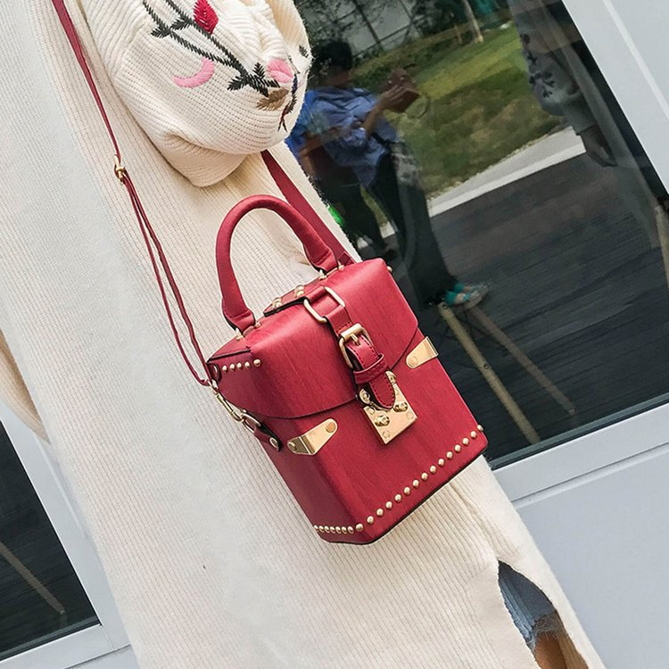 Women Handbags Famous Designer Shoulder Crossbody Rivet Casual Landscape Ladies Messenger Bag Long Strap Female Clutch цена