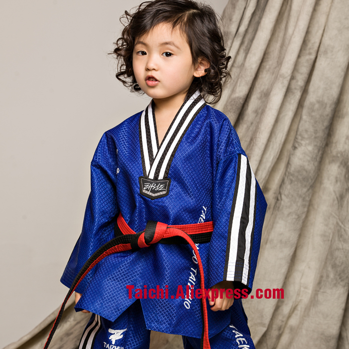 Martial Arts  Tae Kwon Do Children Taekwondo Uinform For Poomsae & Training,WTF Uniform,110-155cm,stripe, White,blue,red