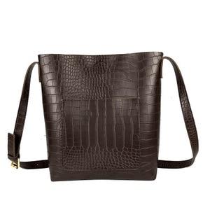 Image 3 - 빈티지 패션 여성 토트 백 새로운 품질 pu 가죽 여성 디자이너 핸드백 악어 양동이 가방 어깨 메신저 가방