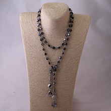 Knotted Halsband Crystal Pendant Necklace