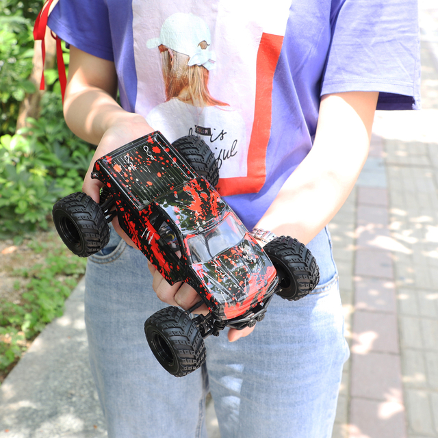 1:18 Climbing Car 30km/h High Speed Remote Control Car Electric Off-road RC Drift Racing Car Red Green