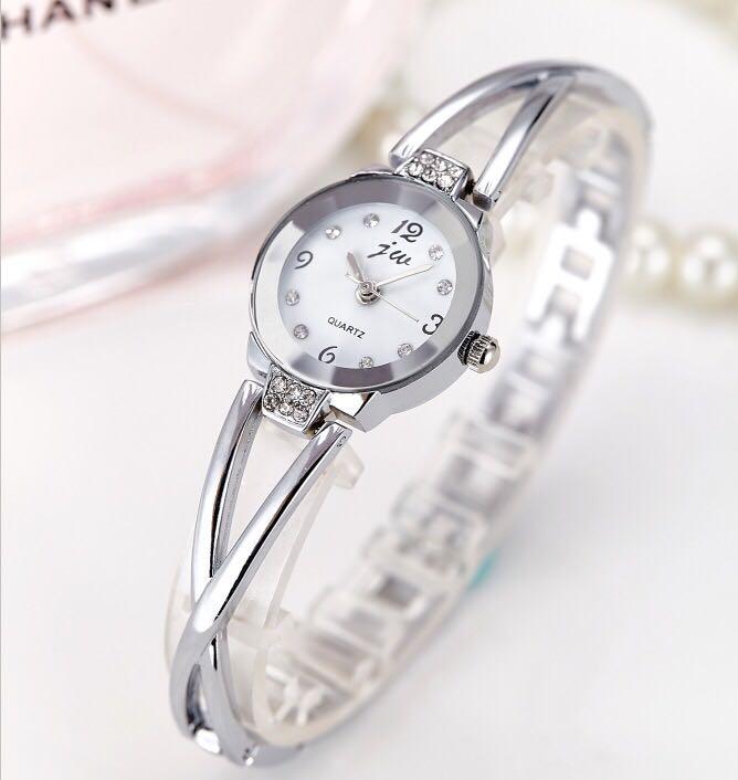 2018new версии ретро с водонепроницаемым Простой студент часы тенденции моды кварцевые часы мужской женский стол