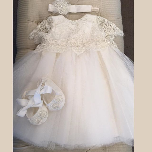 Heirloom dedication infant  christening gown with bonnet  lace pretty baptism dressesfor baby boys girls