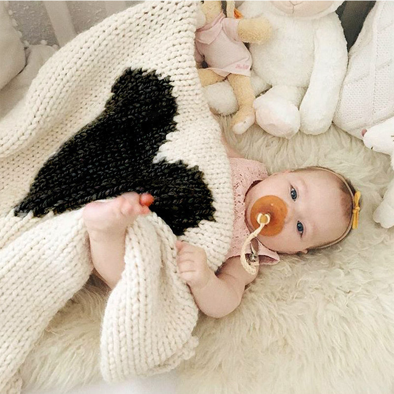 Loving-Heart-Baby-Blanket-Knitted-Baby-Bedding-Wrap-Soft-Blankets-Girls-Blankets-Newborn-Big-Rabbit-Ear-Swaddling-Play-Mat--1
