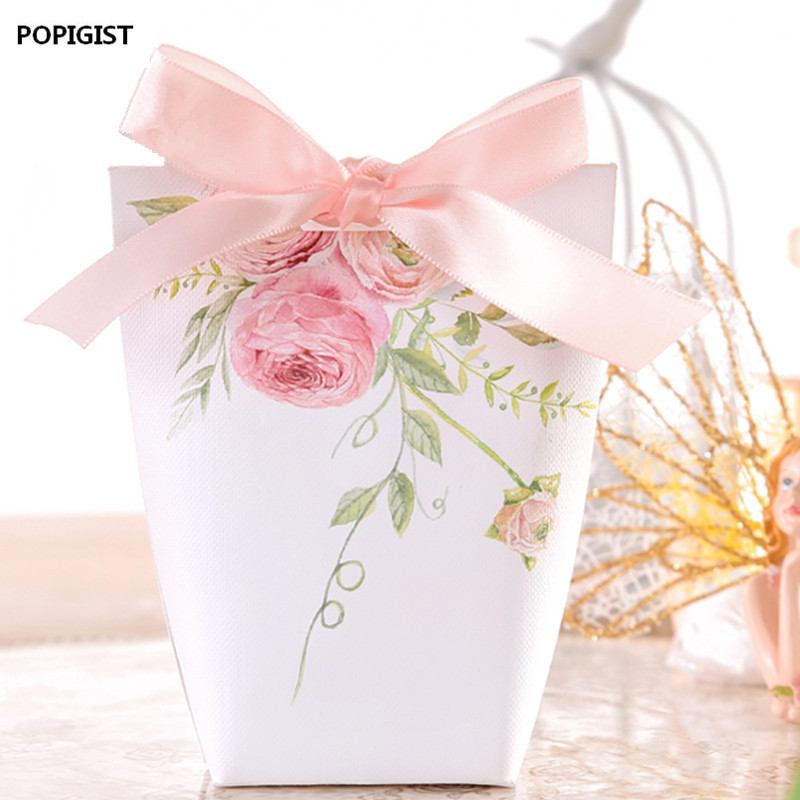 100pcs Wedding Favors Upscale Candy Boxes White pink flowers gift box Party Chocolate Box ribbon three