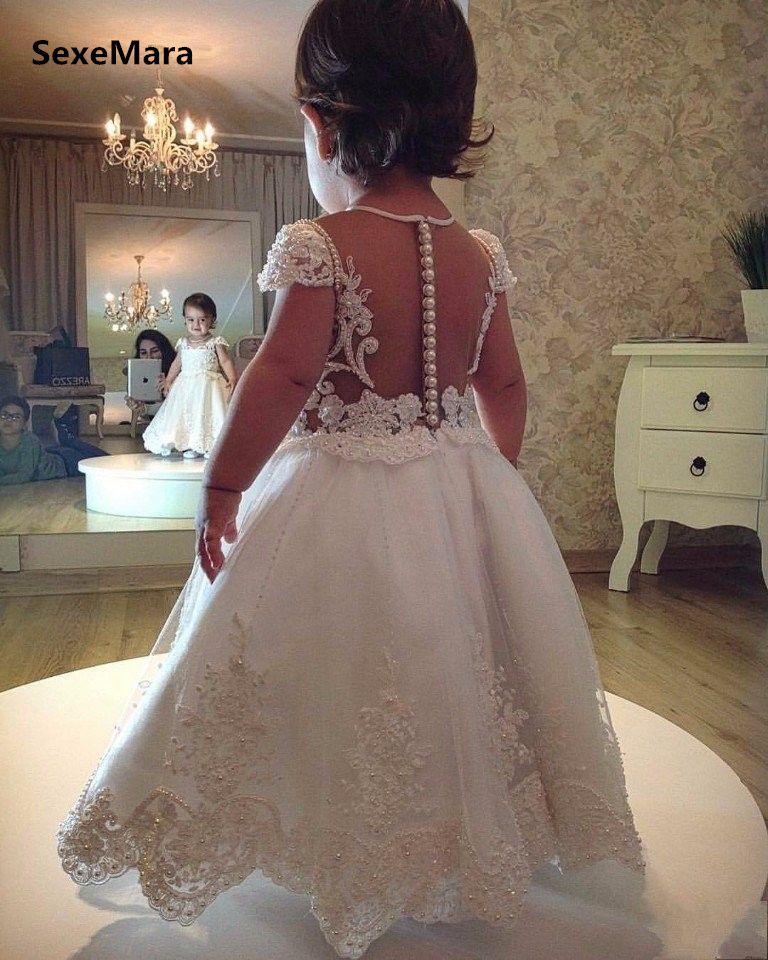 Cap Sleeves Ivory White Flower Girl Dresses For Weddings Baby Girls Lace Pearls Long First Birthday Dresses For Little PrincessCap Sleeves Ivory White Flower Girl Dresses For Weddings Baby Girls Lace Pearls Long First Birthday Dresses For Little Princess