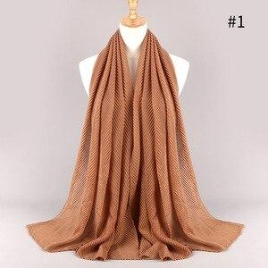 Image 4 - Модные плиссированные макси хиджабы из вискозы, мусульманский шарф, элегантная шаль, простые женские шарфы со складками, мусульманский головной платок, шали, мягкий глушитель, 1 шт.
