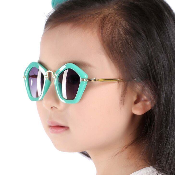 Nieuwe Collectie Meisjes & Jongens Gloednieuwe Zonnebril Vierkant Frame Kind Mooie Glazen Goud Matal Been Kinderen Fashion Oculos De Sol N689