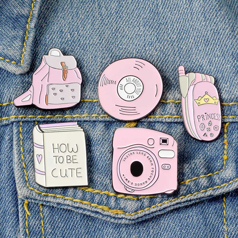 Bagaimana Menjadi Lucu? Semua Tentang Catatan Anda CD Buku Ransel Flip Kamera Ponsel Pin Pink Enamel Lencana Bros Hadiah untuk Teman Kerah Pin