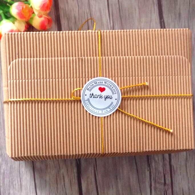 Купить с кэшбэком 100pcs/lot 3 colors Round Thank you Heart  Kraft Seal Sticker for Baking Gift Adhesive Label Stickers Students' DIY Tools