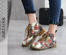 2018 New Fashion Women Boots Floral Printed Martin Boots Soft Sole Ankle Boots Lace up Platform Shoes Woman fedonas new fashion ankle boots for women platforms punk rock night club party shoes woman lace up martin shoes basic boots