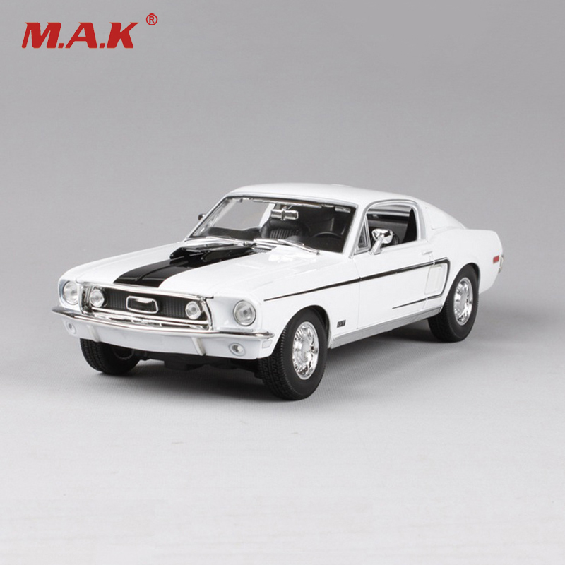 1/18 Scale 1966 Mustang GT Car Models Maisto Blue and White Miniature Models Children Gifts Boys Toys Collections back to the future iii 3 delorean dmc12 car models 1 18 scale diecast movie car collections for children by sunstar 2712