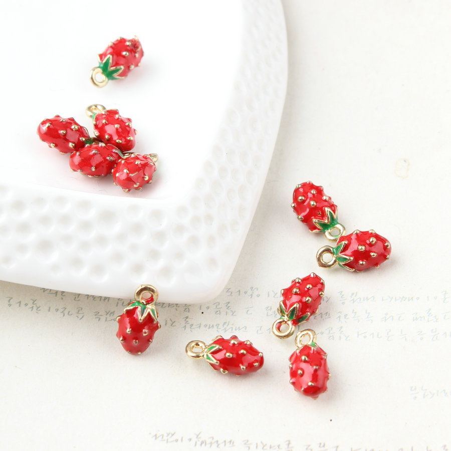 Diy jewelry making Alloy drop oil rose gold color Cartoon 3D Strawberry Shape Metal Charms fit earring/necklace/bracelet pendant