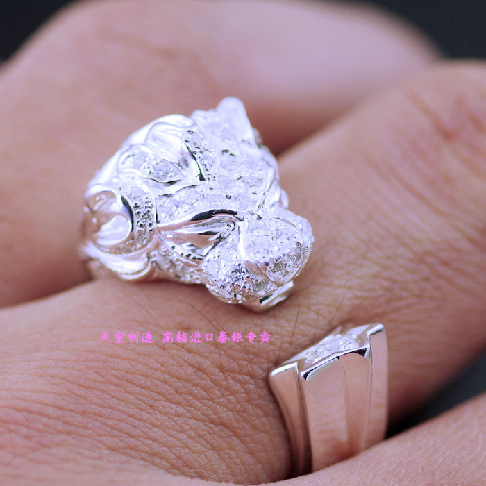 Thailand imports micro drilling studded wind lion Sterling Silver Ring Opening thailand imports skull blood new skeleton silver ring
