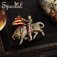 Special European and American personality fashion retro fairy tale sweater brooch pin silk towel buckle bullfighting knight