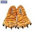 Zapatos A Juego divertido Familia invierno engrosamiento antideslizante de los niños suaves zapatillas coral fleece dinosaurio garras zapatos de la muchacha/niños zapatillas
