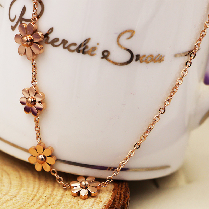New Titanium Steel Brand Jewelry 7 Daisy Anklets For Women Rose Gold Color Fashion Prevent Allergy Summer Jewelry 1