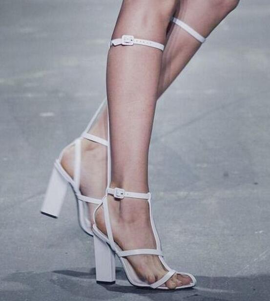 Gladiateur Haute Style Découpes Mode Été Défilé Cuir De En Sandales Talons Bottes Taille black noir Wrap 9cm White Épais Printemps Sandale Blanc Cheville 9cm 43 nAv8qq